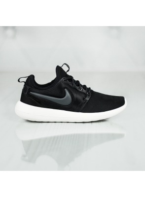 Nike WMNS Roshe Two 844931-002