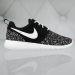 Nike Roshe One Print Gs 677784-005