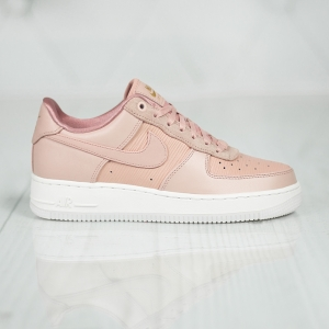Nike WMNS Air Force 1 '07 LX 898889-201