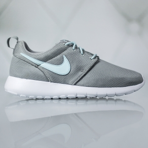 Nike Roshe One Gs 599729-015